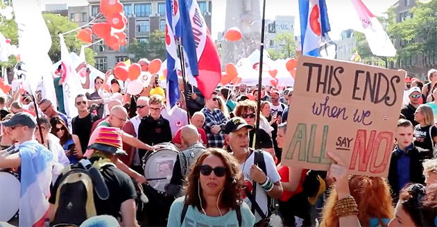 Hollanda'da 20 bin kişi Kovid-19 önlemlerini protesto etti
